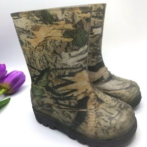 Rainboots for kids size 7